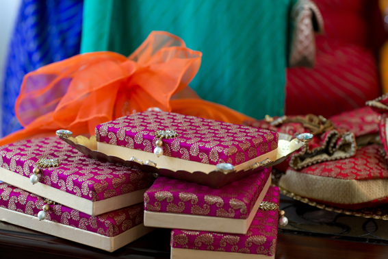 Henna Party Gift Ideas : Mehndi gifts for bride wedding celebrations