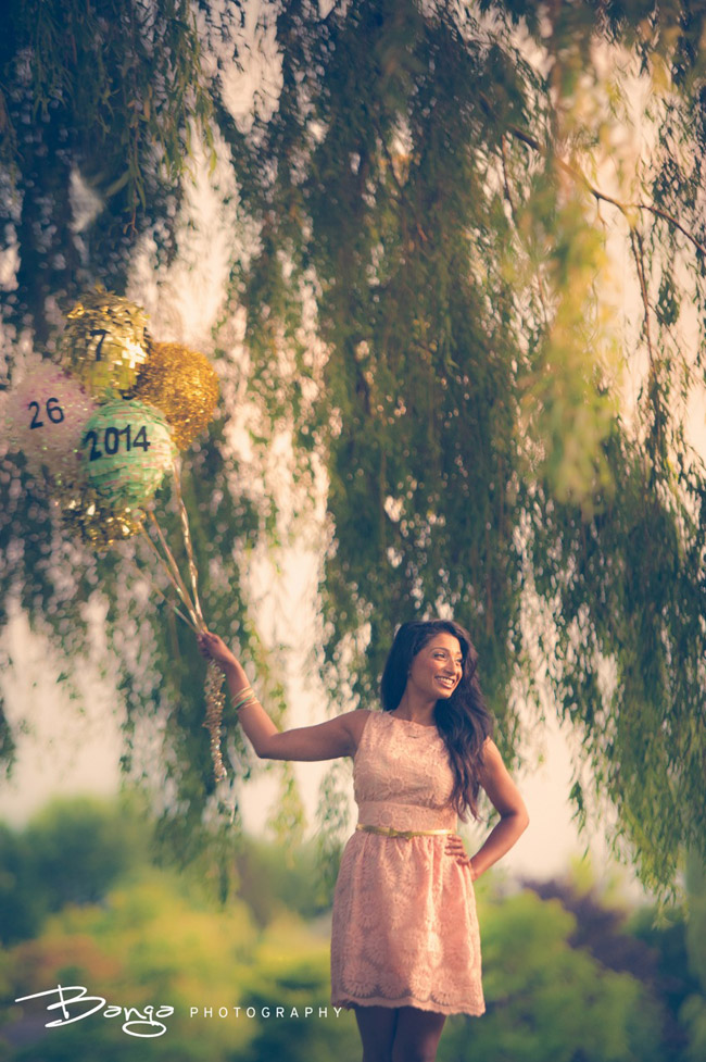 Bride with a piñata for a Facebook themed engagement shoot | Banga Studios | Rubies and Ribbon